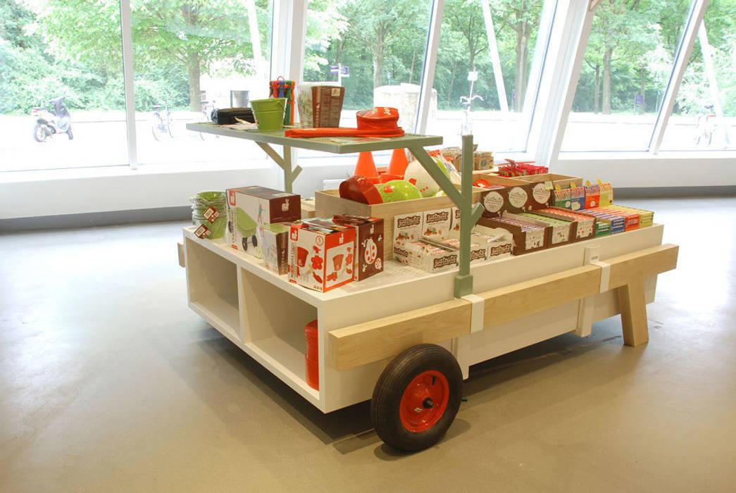 Centre d'expositions modernes par NAPSTUDIO Moderne