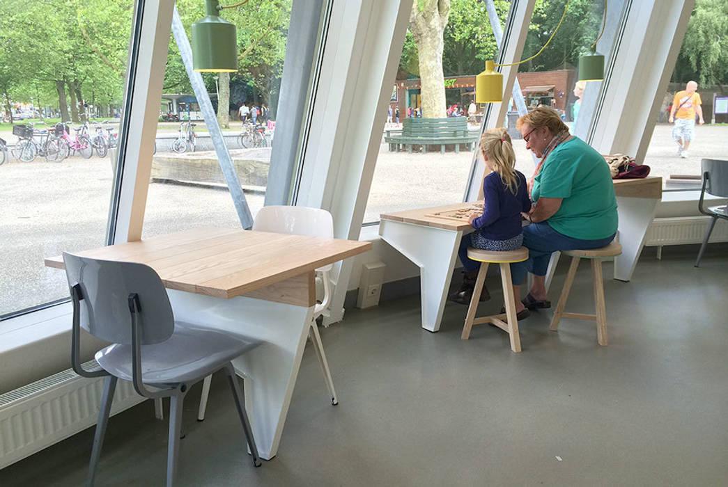 Amsterdam Forest Moderne exhibitieruimten van NAPSTUDIO Modern