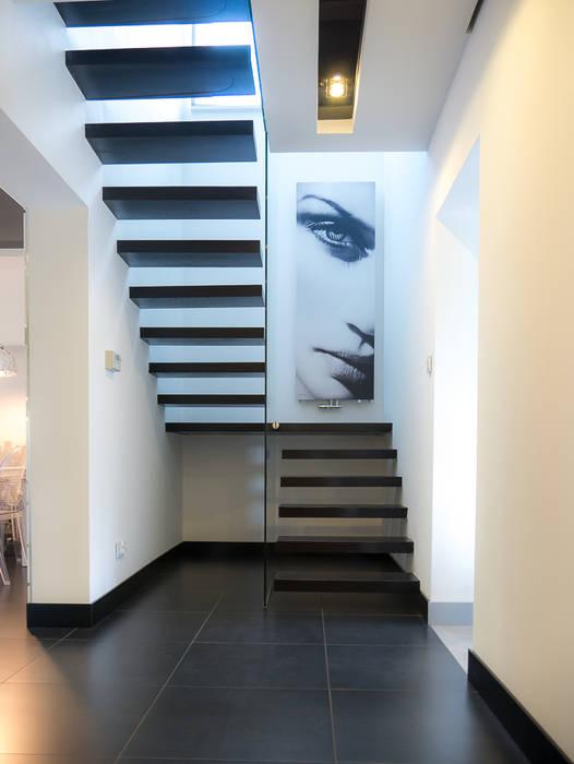 schody Nowoczesny korytarz, przedpokój i schody od Inspiration Studio Nowoczesny