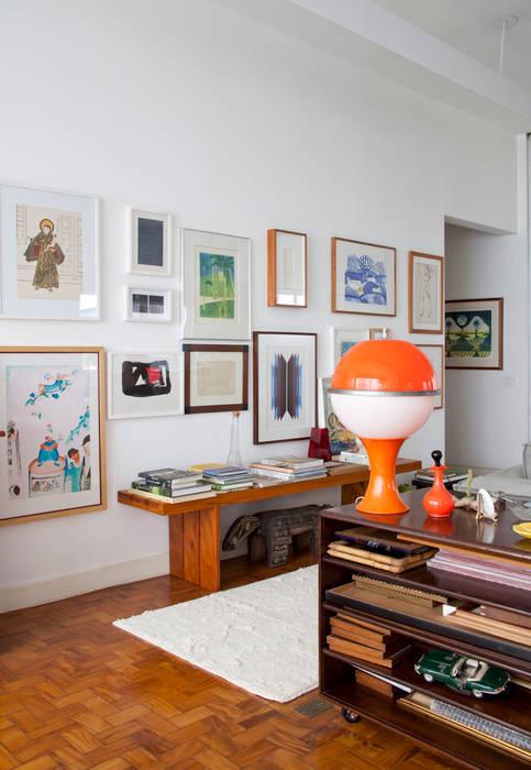 Apartamento Sabará: Sala de estar  por Zemel+ ARQUITETOS,