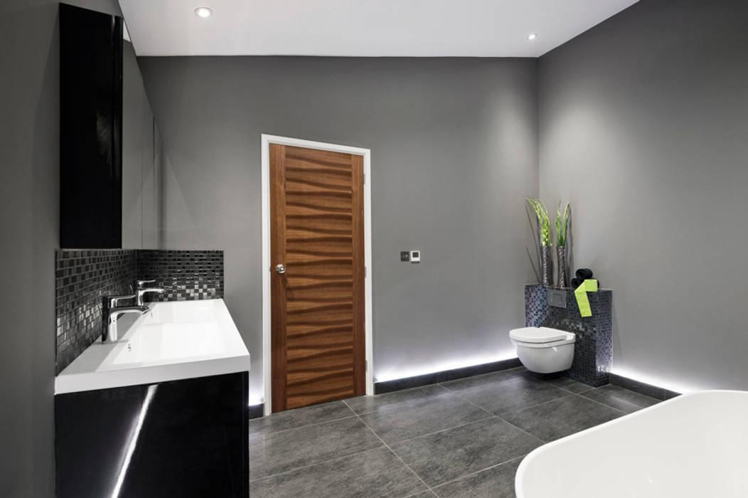Rock Star Bathroom Moderne Badezimmer von Lisa Melvin Design Modern