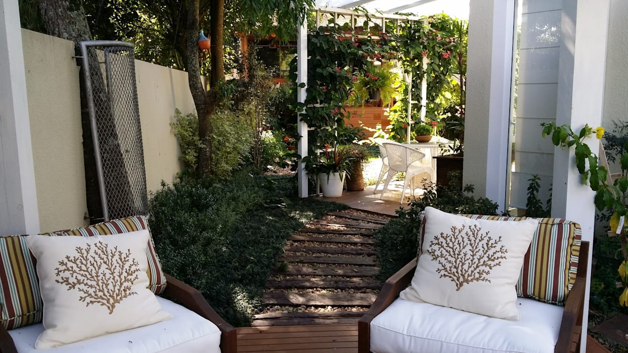 Jardines de estilo moderno de Kali Arquitetura Moderno