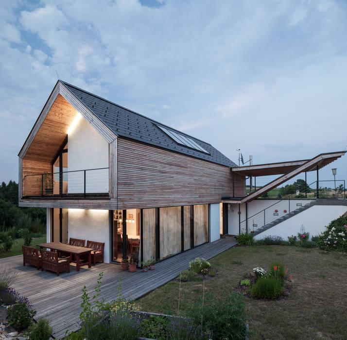 GOL 2 - Einfamilienhaus Moderner Balkon, Veranda & Terrasse von g.o.y.a. Architekten Modern