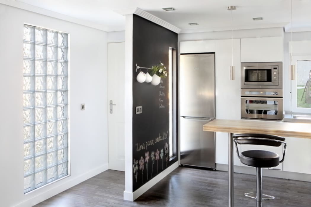 Eclectic style kitchen by BATLLÓ CONCEPT Eclectic