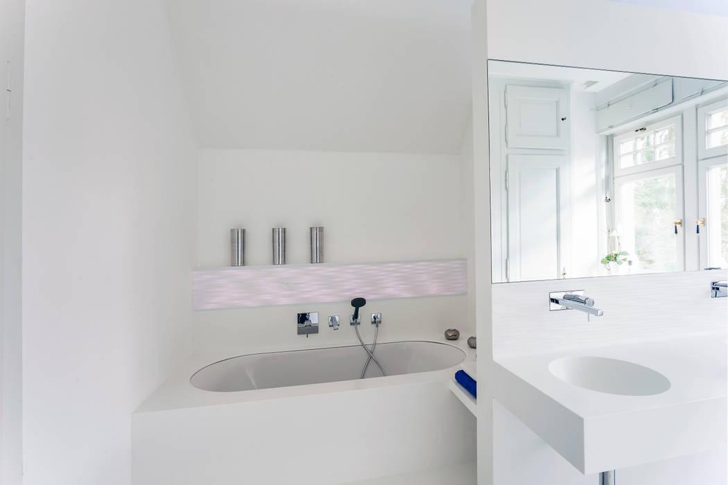 Moderne trifft klassischen jugendstil: badezimmer von pfeiffer gmbh ...