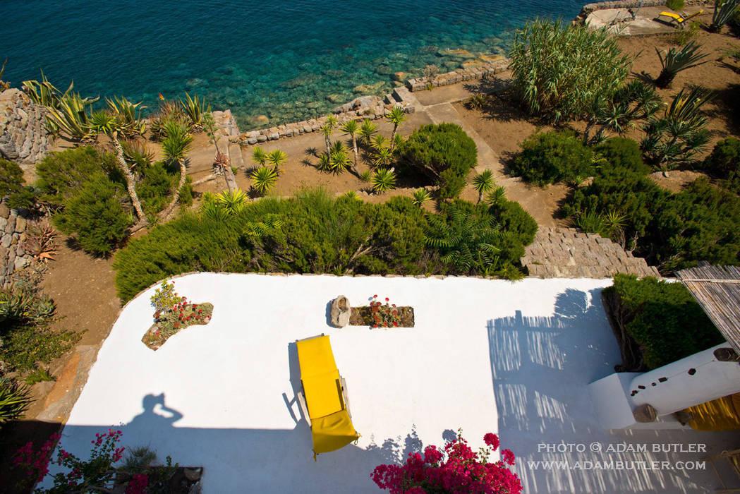 Casa Menne, Panarea, Aeolian Islands, Sicily Adam Butler Photography Терраса в средиземноморском стиле