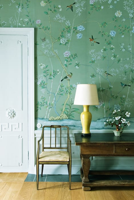 Pass Through Room homify Classic style walls & floors