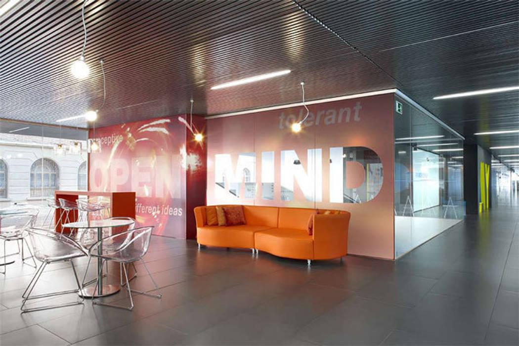 ESADE Creapolis. Sant Cugat del Vallés. 2010 Edificios de oficinas de estilo ecléctico de Deu i Deu Ecléctico