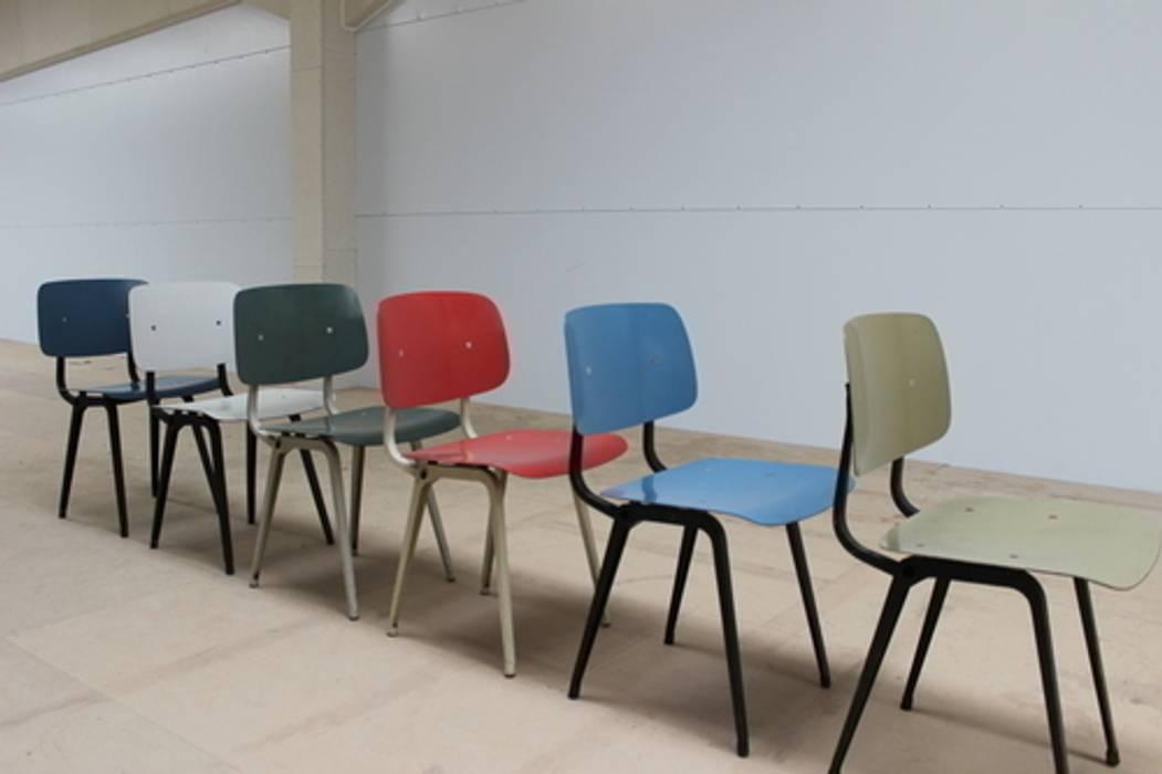 minimalist  by Diagonal Furniture, Minimalist