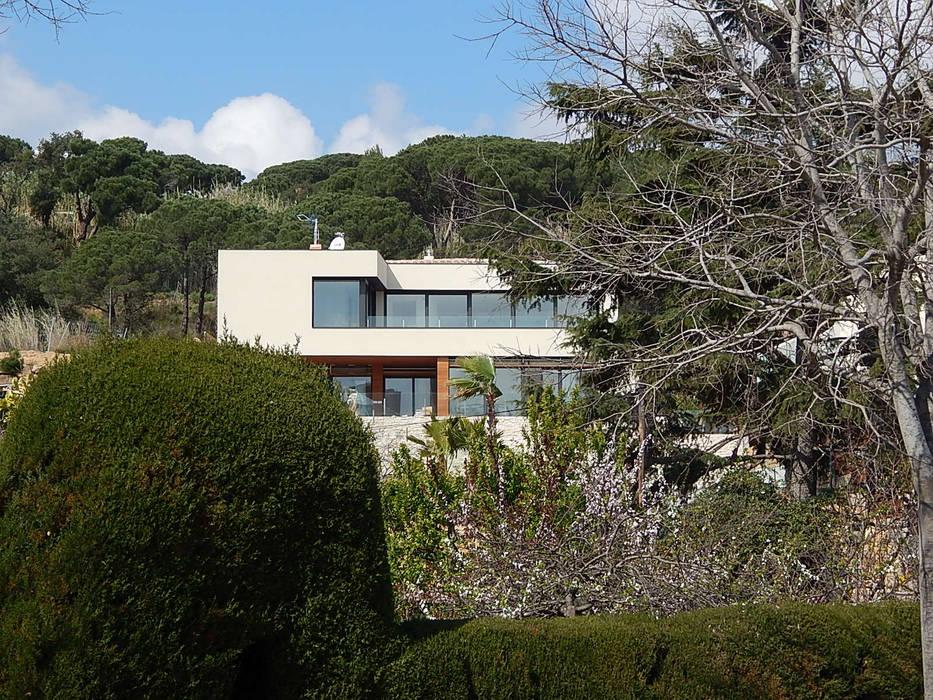 Villa aan de Costa Brava:  Huizen door Hamers Arquitectura, Modern
