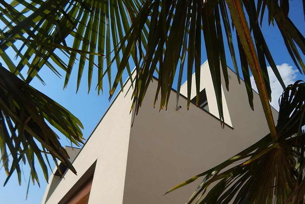 Strakke gevels:  Huizen door Hamers Arquitectura