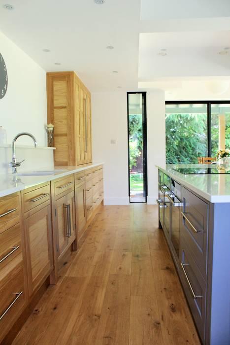 Dapur oleh Collins Bespoke Limited, Modern