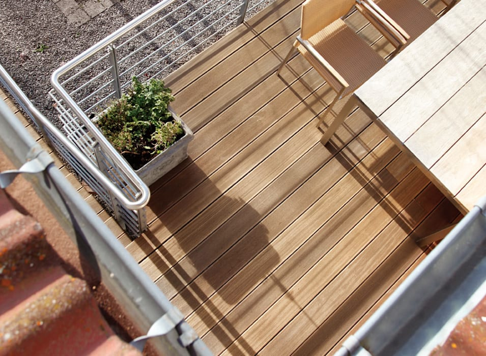 Bangkirai Terrasse Braun & Würfele - Holz im Garten Moderner Balkon, Veranda & Terrasse