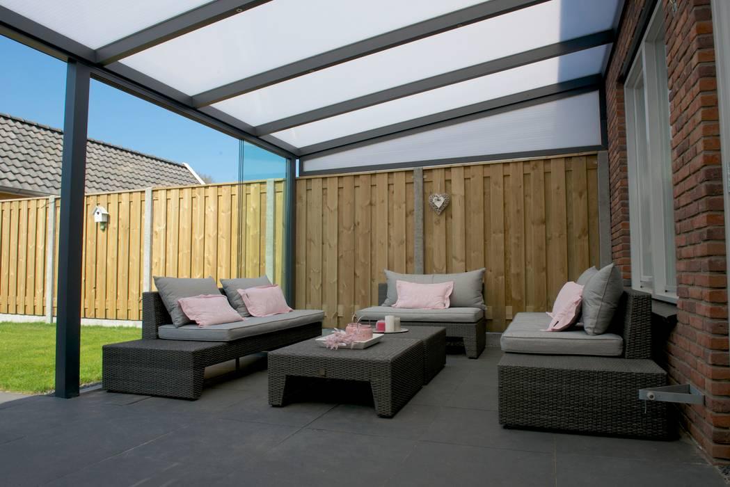 Aluminium Terrassenüberdachungen / Sunrooms von DWZ Moderner Balkon, Veranda & Terrasse von homify Modern
