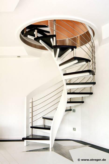 走廊 & 玄關 by STREGER Massivholztreppen GmbH, 現代風