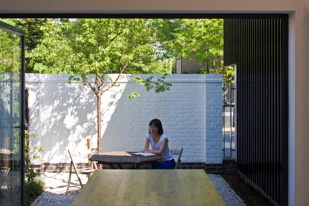 The Nook Converted Bakery Jardin scandinave par NRAP Architects Scandinave