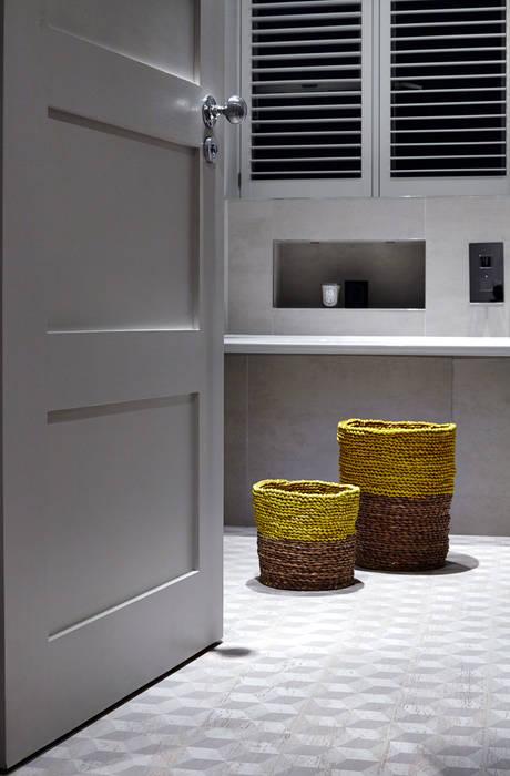 Bathroom Baños de estilo moderno de Studio Duggan Moderno