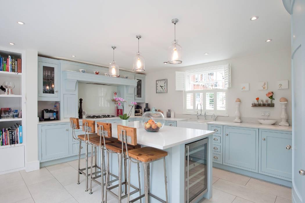Clapham, SW4 Dapur Modern Oleh Build Team Modern