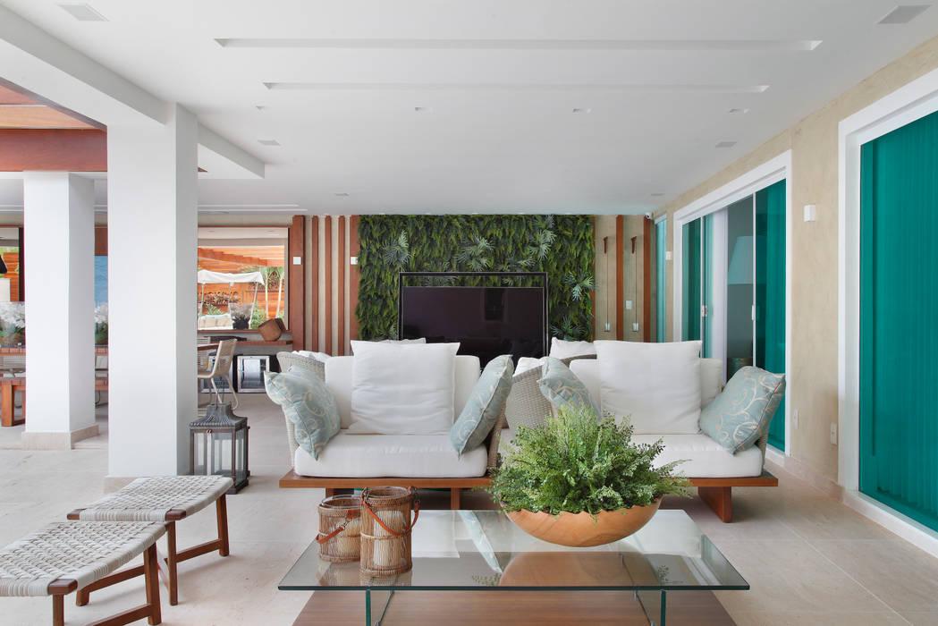Arquitetura Residencial | Casa de luxo na Barra da Tijuca: Casas  por Leila Dionizios Arquitetura e Luminotécnica