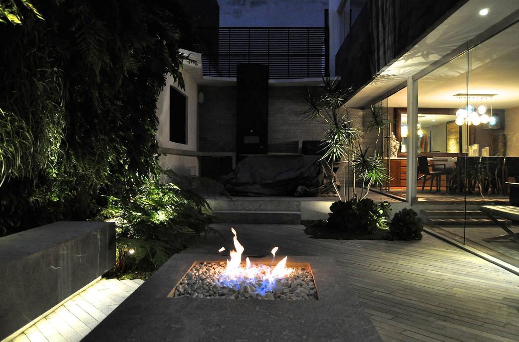 Jardines de estilo  por DF ARQUITECTOS