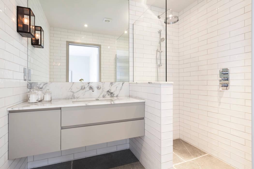 Bathroom :  Bathroom by Studio Duggan