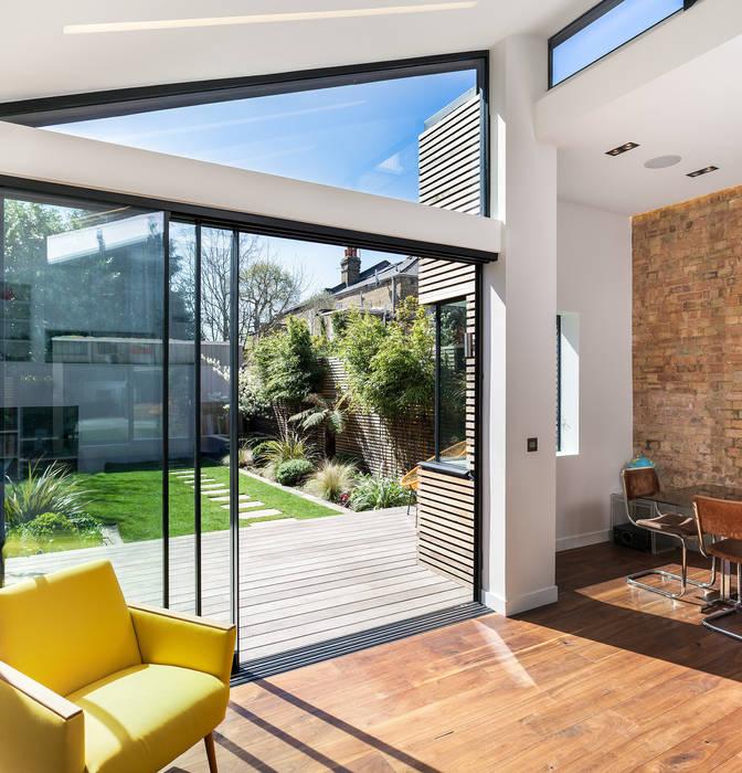 Winchmore Hill, London Puertas y ventanas modernas de Maxlight Moderno