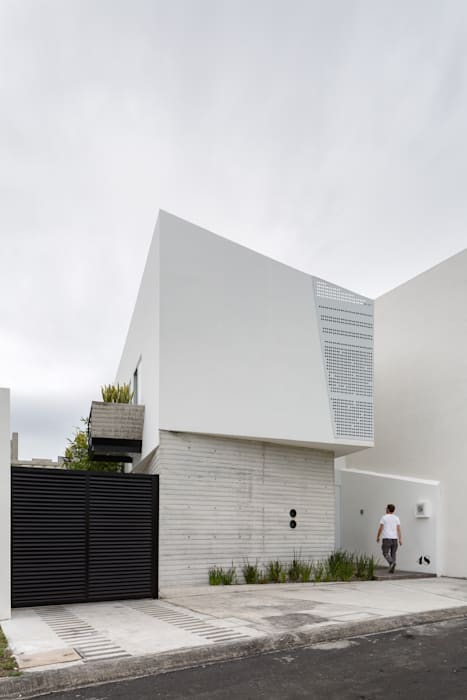 Houses by Taller ADC Architecture Office, Minimalist