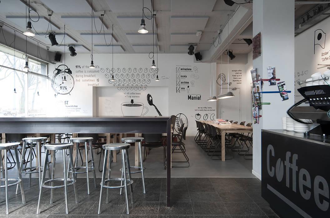 Zitgedeelte:  Bars & clubs door ontwerpplek, interieurarchitectuur