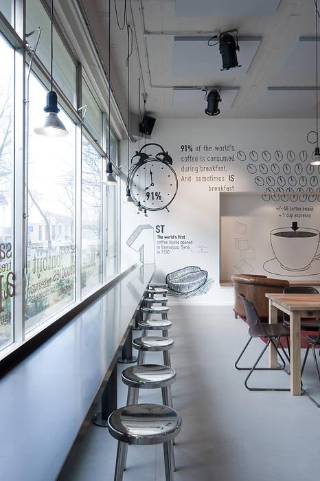 Raamtafel ontwerpplek, interieurarchitectuur Moderne bars & clubs
