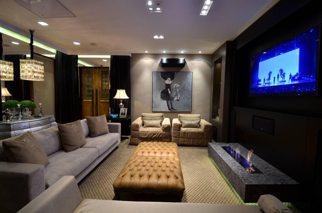 Sala de Estar Home Theater: Salas de estar  por Francisco Humberto Franck