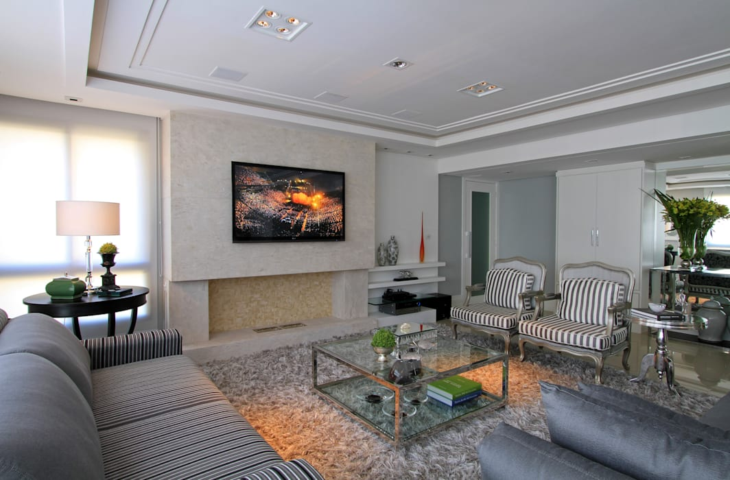 Apartamento Bela Vista 02: Salas de estar  por Francisco Humberto Franck