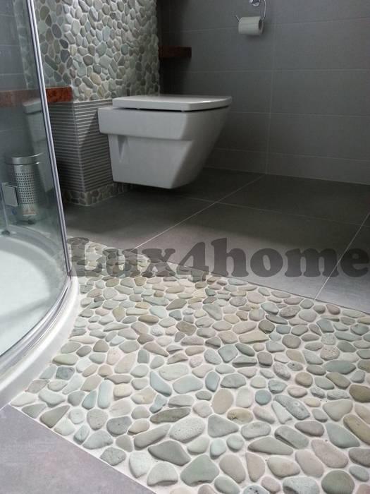 Zielone Otoczaki w łazience - podłoga: styl , w kategorii Łazienka zaprojektowany przez Lux4home™