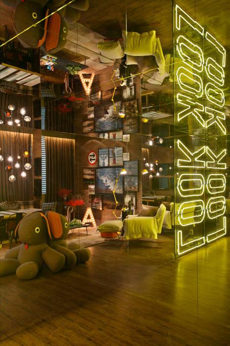 Industrial style living room by Studio ro+ca Industrial