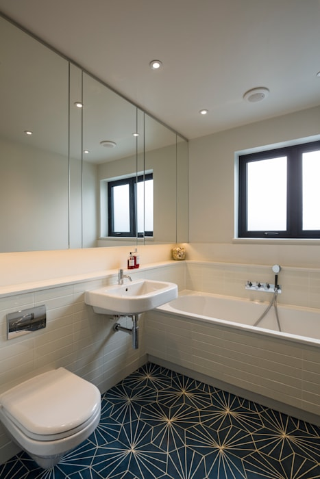 Muswell Hill House 1, London N10 모던스타일 욕실 by Jones Associates Architects 모던