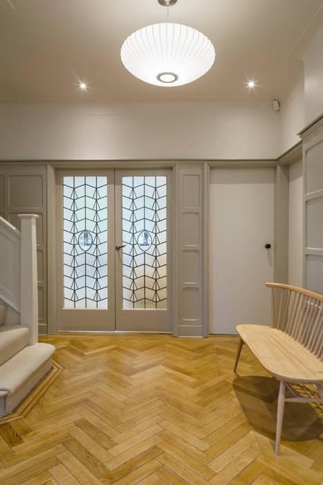 Muswell Hill House 1, London N10 Modern corridor, hallway & stairs by Jones Associates Architects Modern