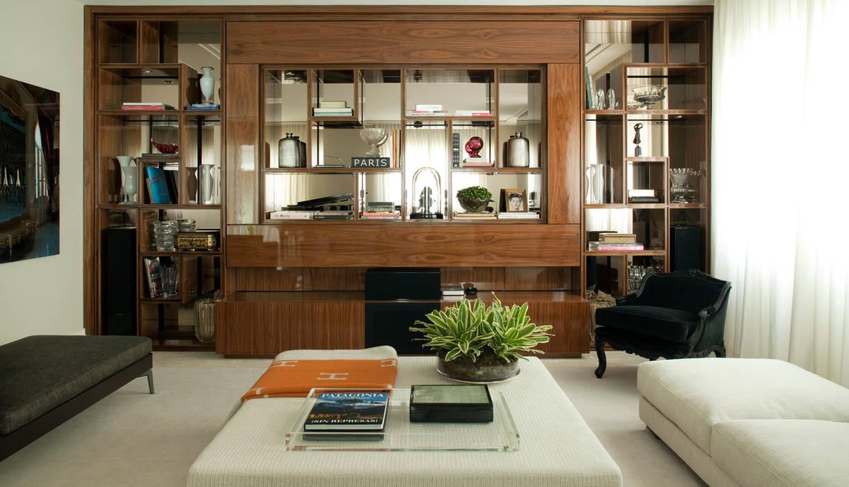 Salones de estilo moderno de Rafael Zalc Arquitetura e Interiores Moderno