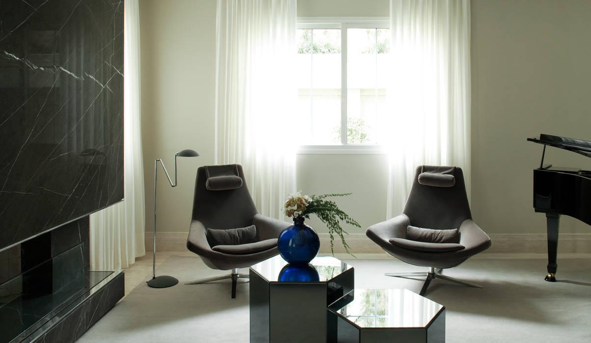 Salon de style  par Rafael Zalc Arquitetura e Interiores, Moderne