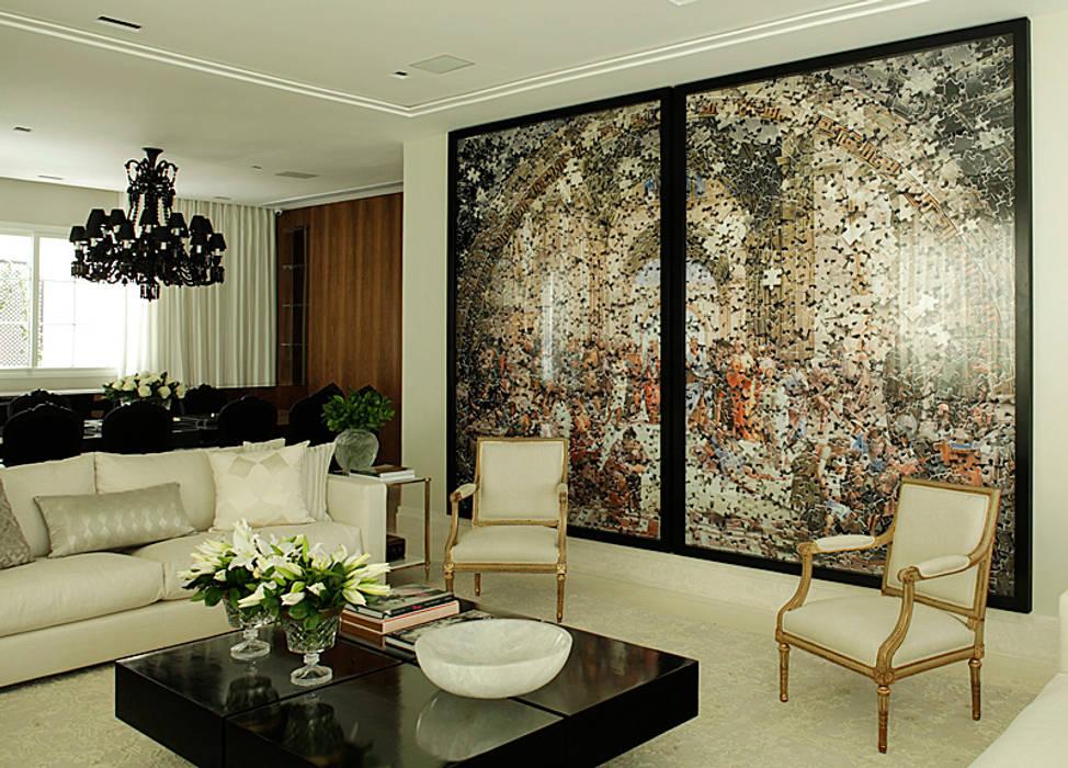 Casa Ibirapuera: Salas de estar  por Rafael Zalc Arquitetura e Interiores