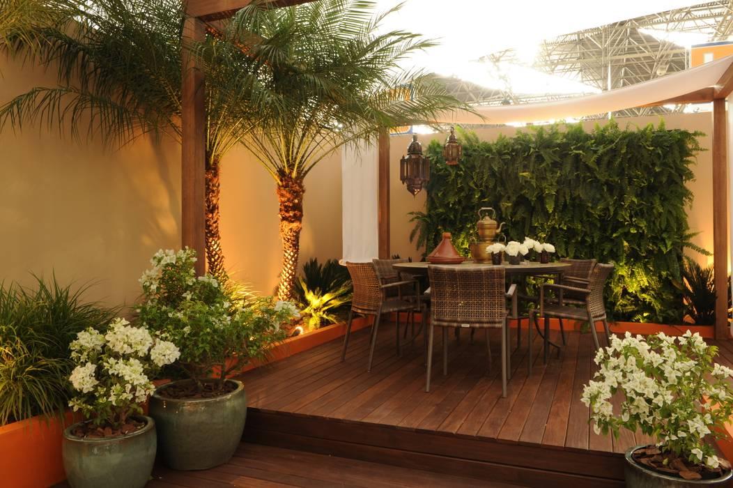 Jardines de estilo  por Folha Paisagismo,