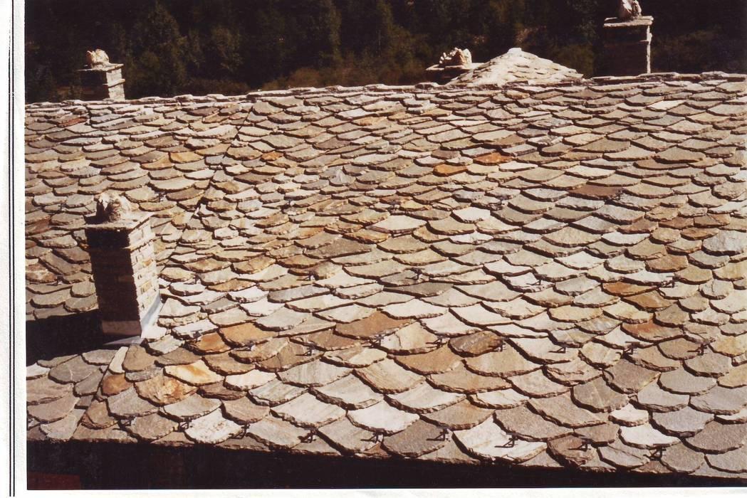 Dach Typ Valdaosta: Case in stile in stile Rustico di Luserna Stone