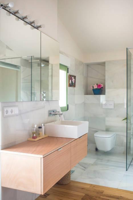 Reforma casa FCN en Onil, Alicante DMP arquitectura Baños de estilo moderno