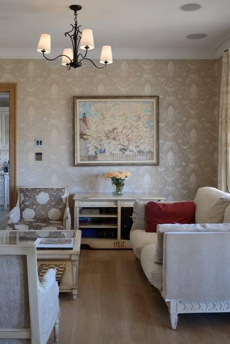 Дом в поселке Ильичевка Гостиная в классическом стиле от ANIMA Классический