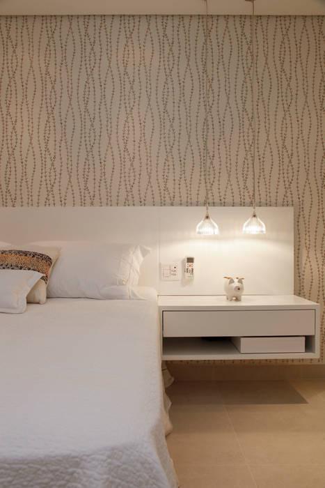 Modern style bedroom by dsgnduo Modern
