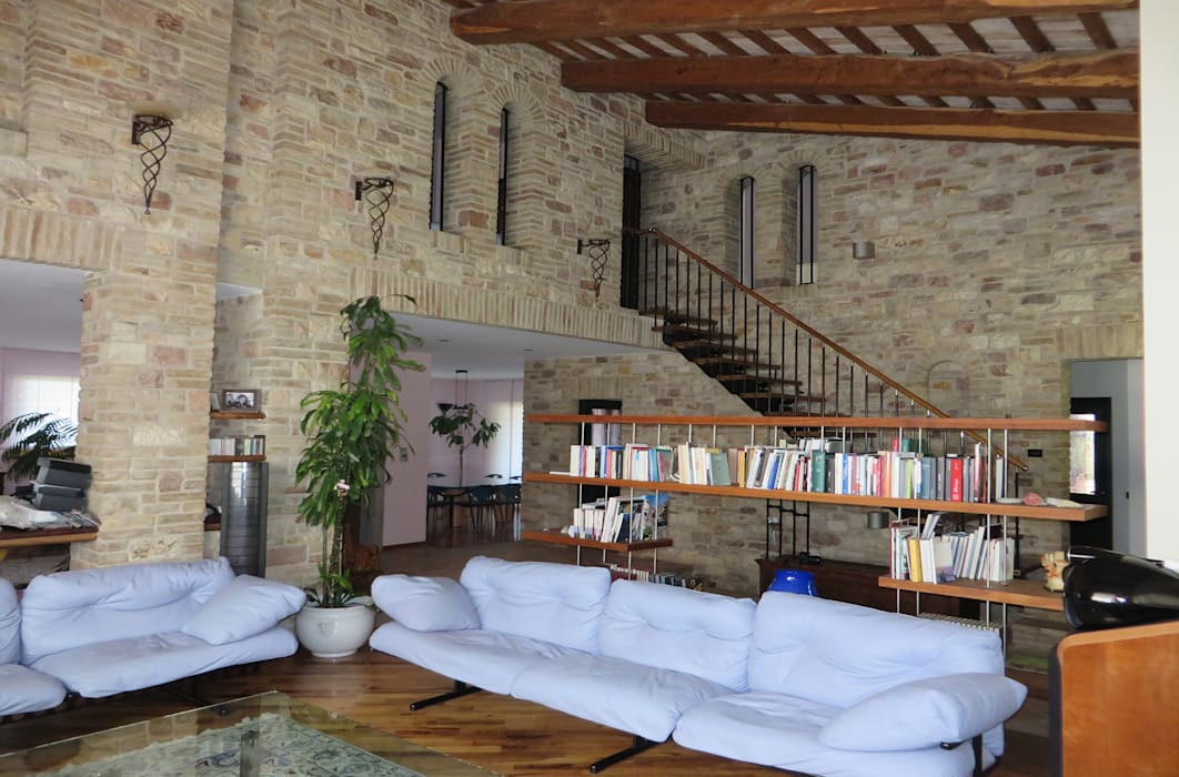 Living room by Studio di Bioarchitettura Brozzetti Adriano, Country