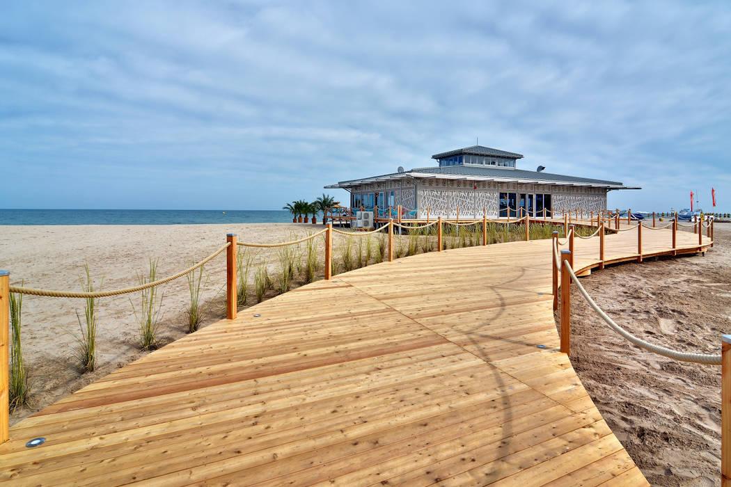 Ganvie Beach Club CHristian Bogner GmbH Living Art Moderne Bars & Clubs