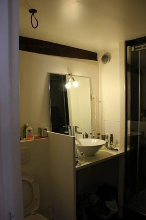 Appartement Pastourelle - Sdb avant projet: Salle de bains de style  par * aurelie.rubin-chabrier . architecture . architecture intérieure .