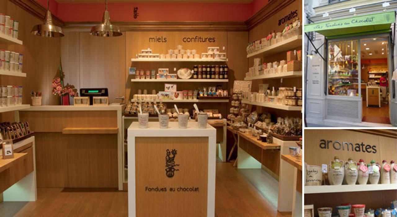 Vue d'ensemble et Façade - Boutique Paris 5e: Espaces commerciaux de style  par A comme Archi