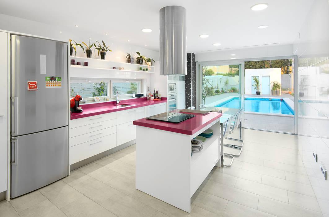Casa Sanchez Cocinas de estilo minimalista de TOV.ARQ Estudio de Arquitectura y Urbanismo Minimalista