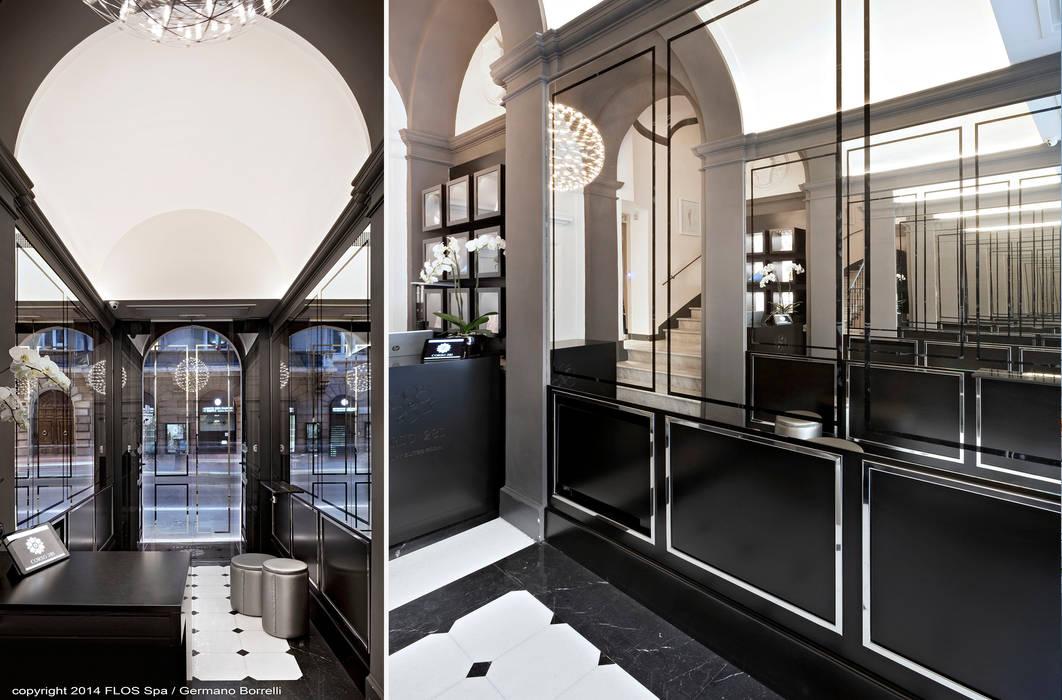 La reception: Ingresso & Corridoio in stile  di CaberlonCaroppi ItalianTouchArchitects