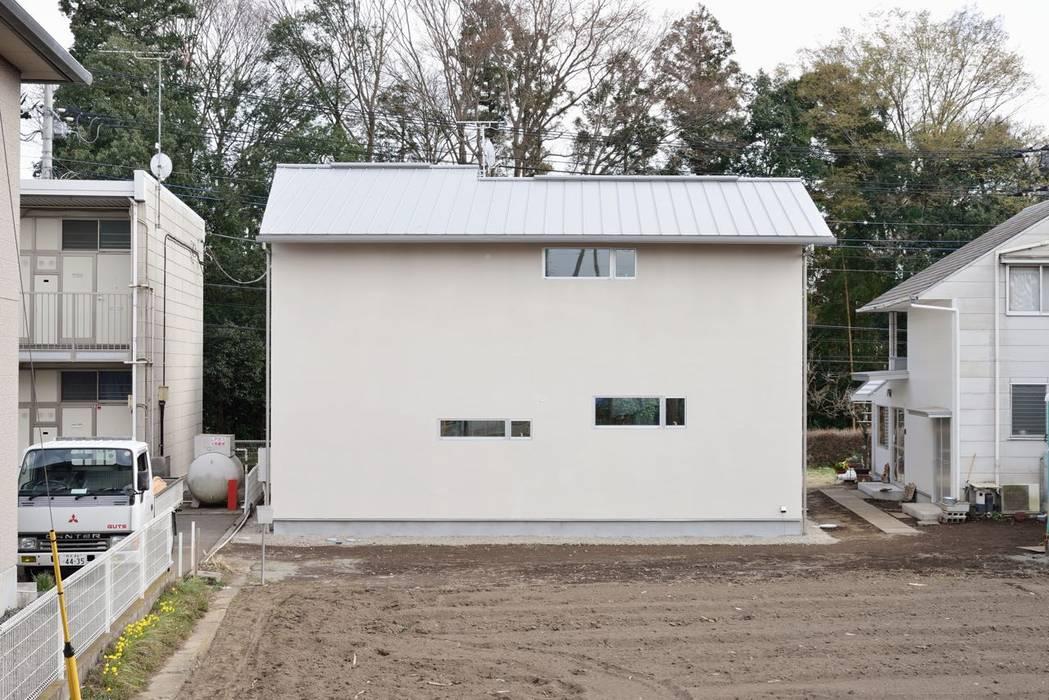 シンプル外観: アトリエdoor一級建築士事務所が手掛けた家です。